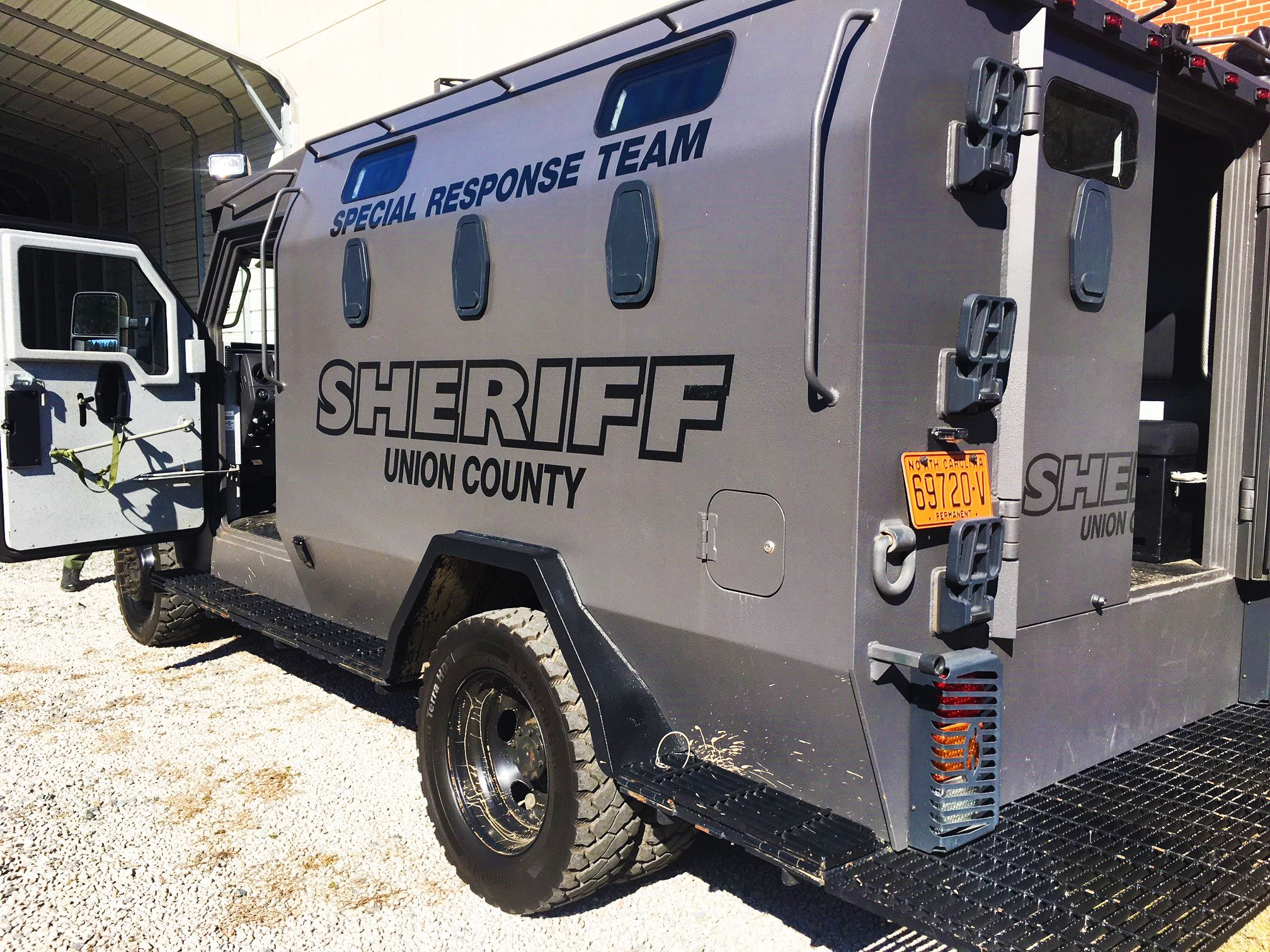 sheriff vehicle