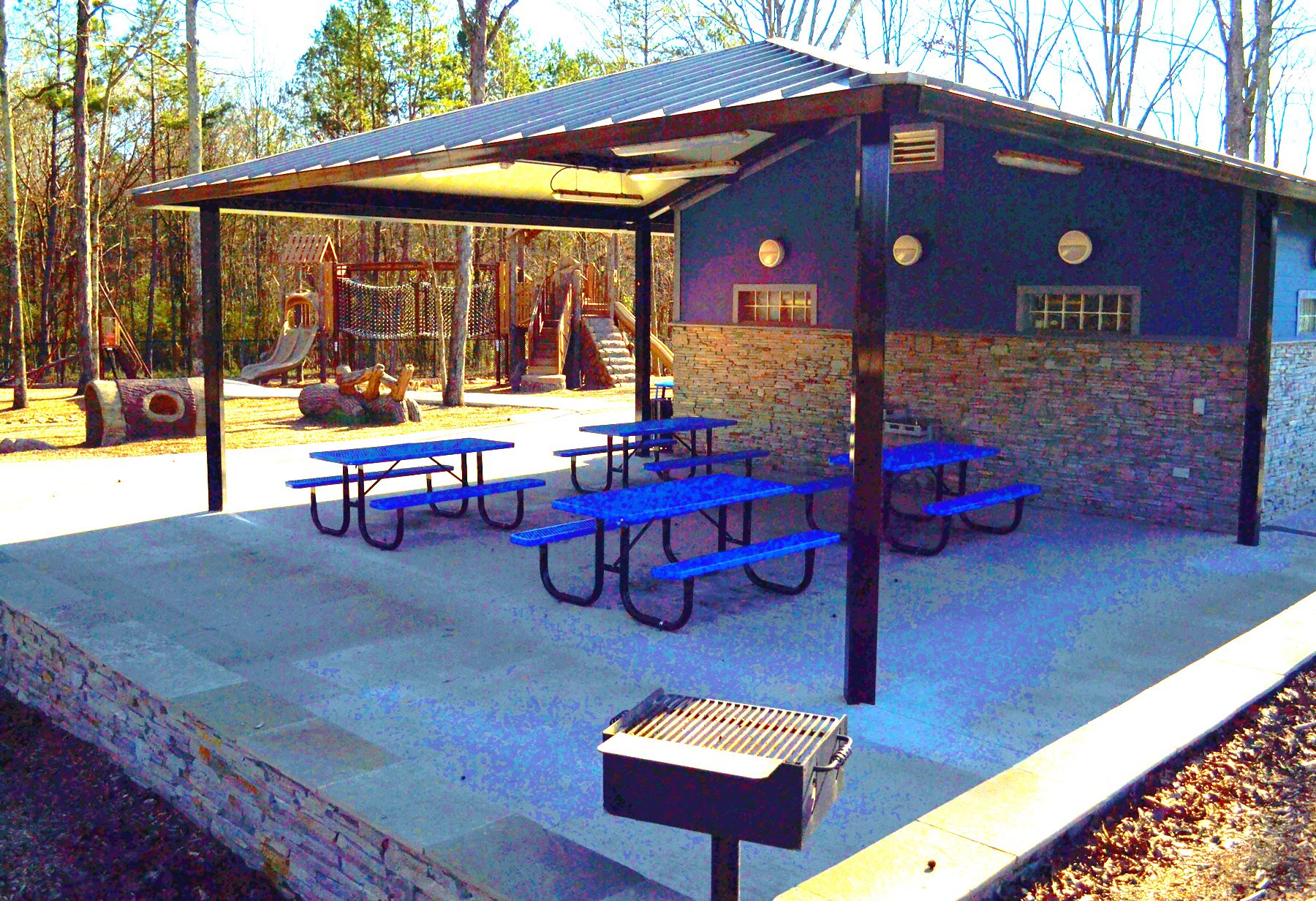 Crooked Creek Park small shelter with 4 picnic tables